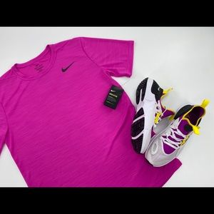 Pink Nike Breathe Dry-Fit Short Sleeve Tee Size MT